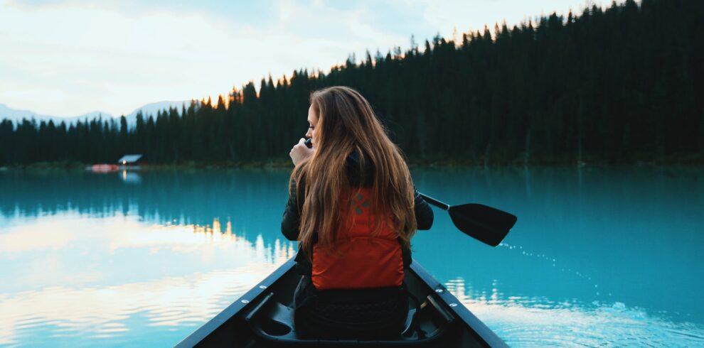 canoeing-1081890_1920